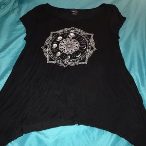Scooped Side Tunic Top w/Moon Mandala